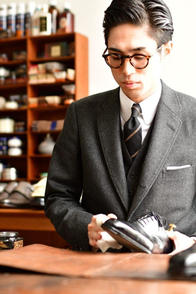 西上悦弘さん 靴磨き 専門家